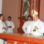 Se consagró el altar y se dedicó la iglesia  del Santuario de Fátima